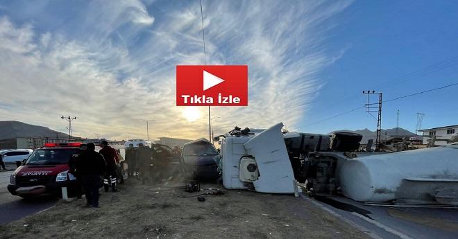 Beton Mikseriyle Minibüs Çarpıştı: 2 Ölü, 4 Yaralı