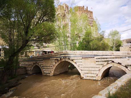 Van Tarihi Köprüler