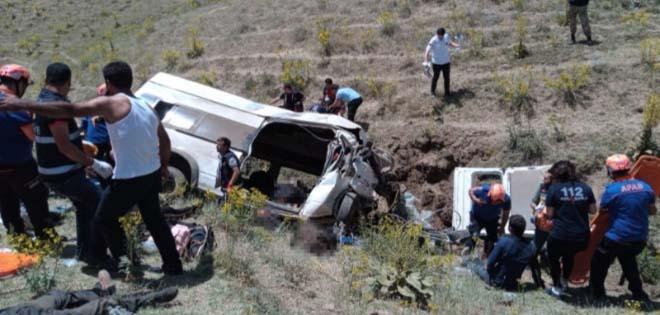 Van'da Kaza Çok Sayıda Ölü ve Yaralı Var