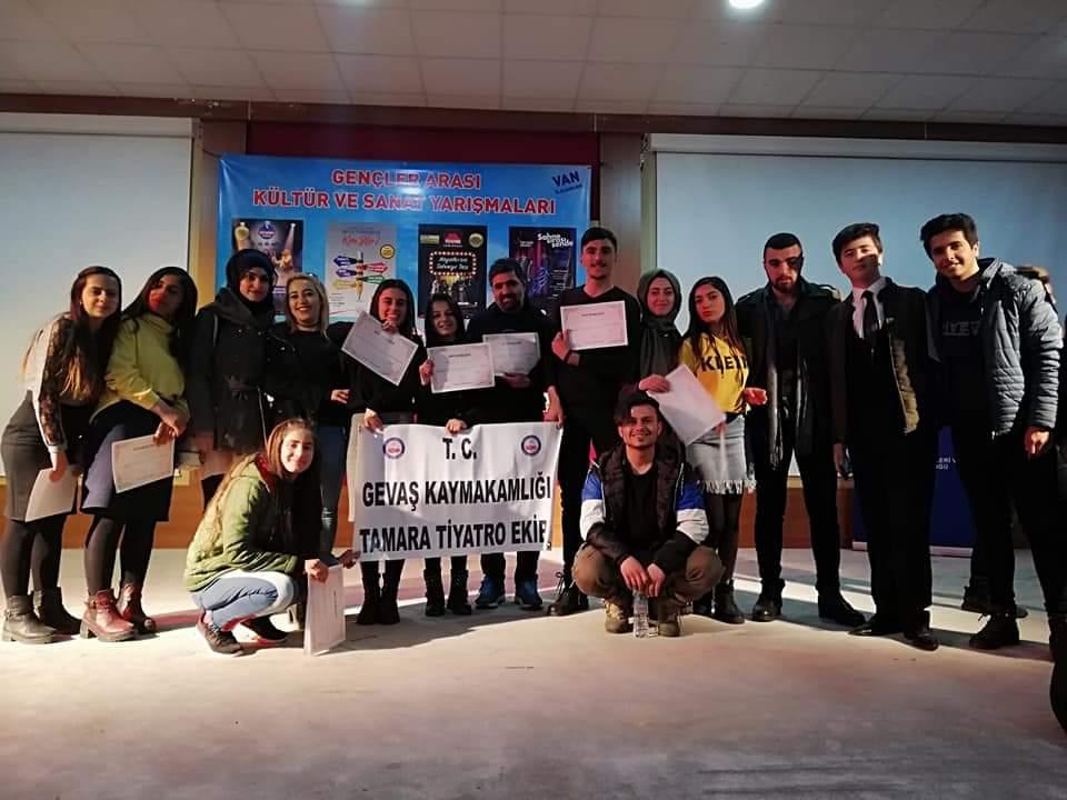 Van'da Tiyatro Yarışması