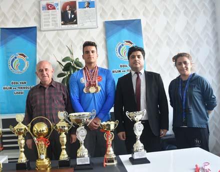 Vanlı Sporcu Balkan Şamyiyonu