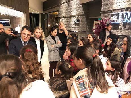 Vanlı Beşiktaşlı Kızlar